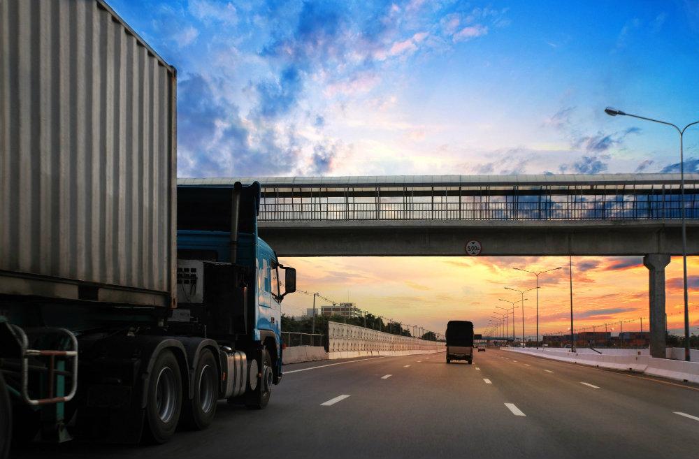 Contratar uma transportadora: 7 melhores práticas para o sucesso!
