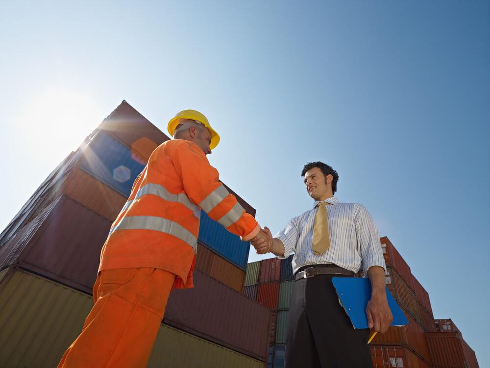 Logística contratada: conheça os 5 benefícios para a sua empresa