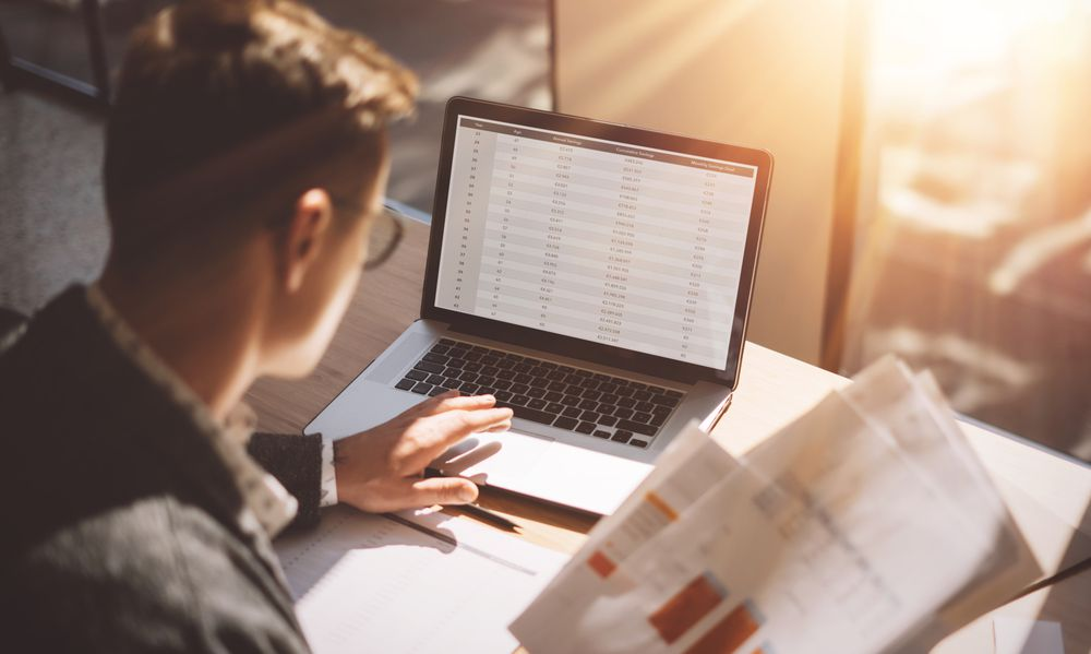 Saiba como organizar os contratos de logística na sua empresa